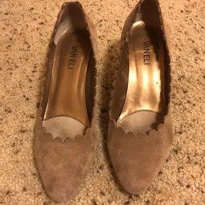 Vaneli suede tan scalloped heels